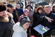 И.о. главы района Олег Хромов по выходным встречается с жителями во дворах города Видное. Видео- и фоторепортаж