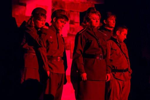 В Доме культуры города Видное состоялся показ спектакля «Рядовые». Фоторепортаж