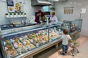 В шестом микрорайоне открылся супермаркет «Виктория». Фоторепортаж