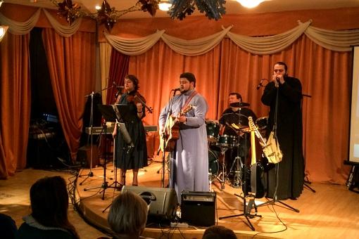 В центральной библиотеке состоялся концерт музыкальной группы Видновского благочиния. Видеозапись