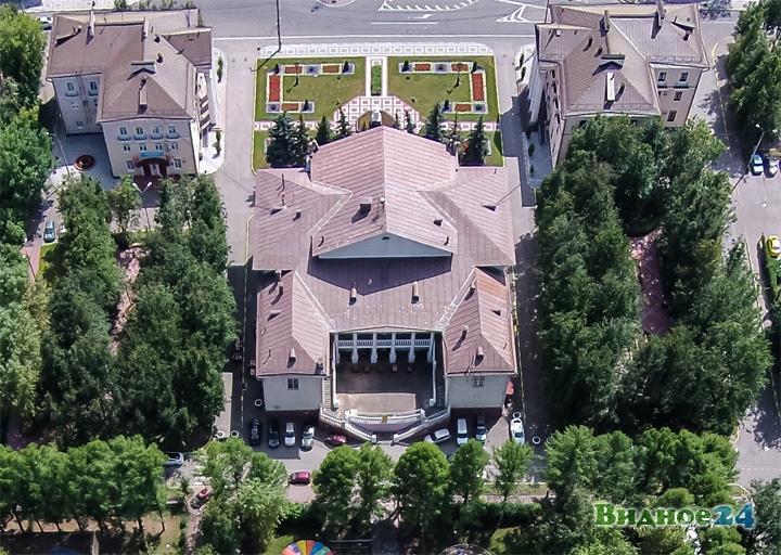Дом Культуры города Видное с террасой с высоты птичьего полета. 2014 год
