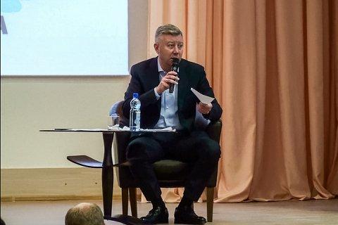 Состоялась встреча главы района Олега Хромова с жителями новых микрорайонов города Видное. Видеозапись