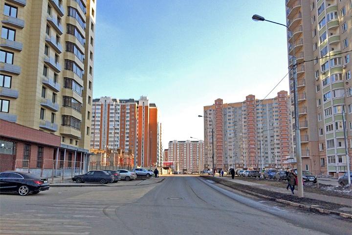 На улице Фокина запретят остановку и стоянку автомобилей