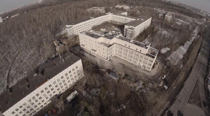Новый инфекционный корпус между поликлиникой и видновской больницей. Фото: страница Вконтакте Олега Хромова