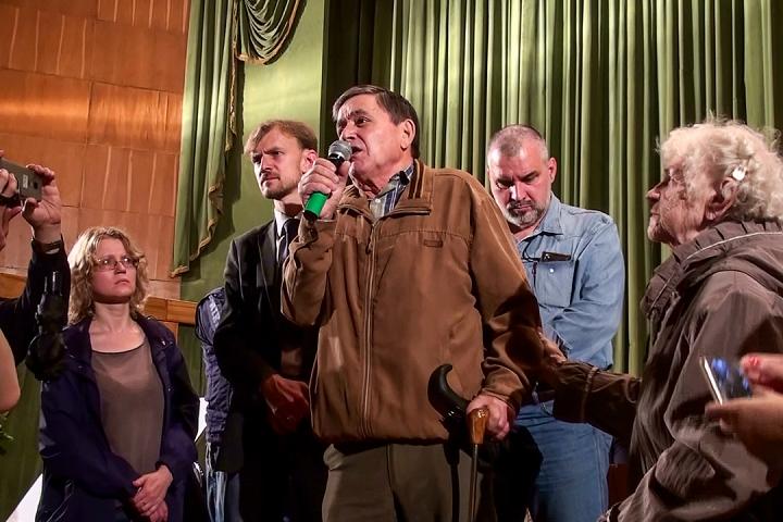 Cын Гаевского Павла Федоровича выступает на публичных слушаниях