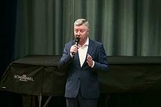 Олег Хромов назвал прошедшие публичные слушания «Майданом на сцене» и дал комментарий по поводу заявления в полицию