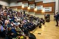 Состоялась очередная встреча главы Ленинского района Олега Хромова с жителями