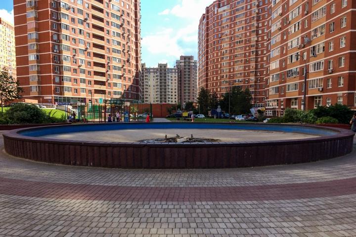 Видное – город неработающих, заброшенных и закопанных фонтанов. Фоторепортаж фото 17