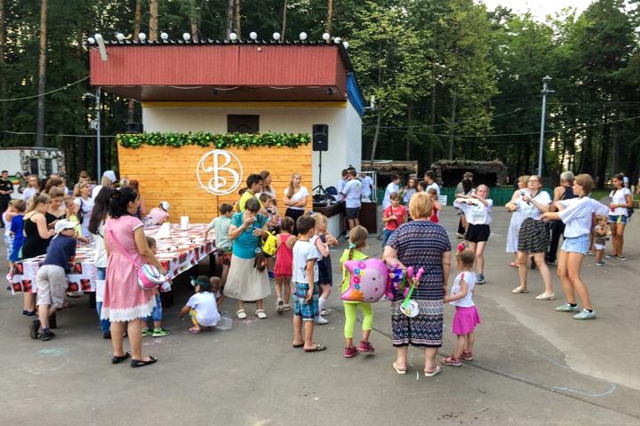 В Расторгуевском парке города Видное прошел фестиваль «Яблочный спас». Фоторепортаж фото 24