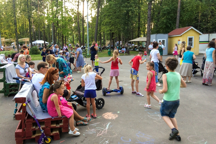 В Расторгуевском парке города Видное прошел фестиваль «Яблочный спас». Фоторепортаж фото 23