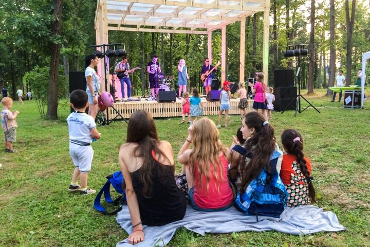 В Расторгуевском парке города Видное прошел фестиваль «Яблочный спас». Фоторепортаж фото 27