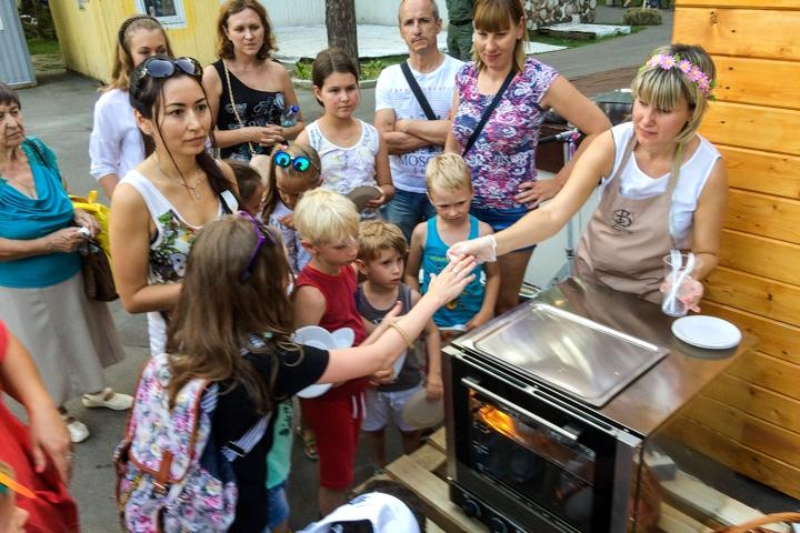 В Расторгуевском парке города Видное прошел фестиваль «Яблочный спас». Фоторепортаж фото 16