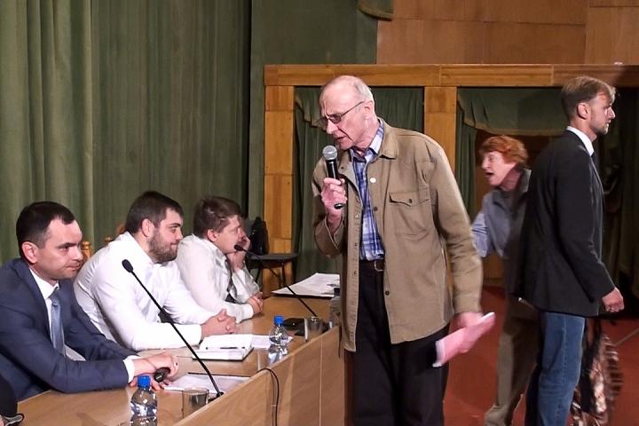 Виталий Шалаев на публичных слушания по ПЗЗ. 19 июня 2017 года