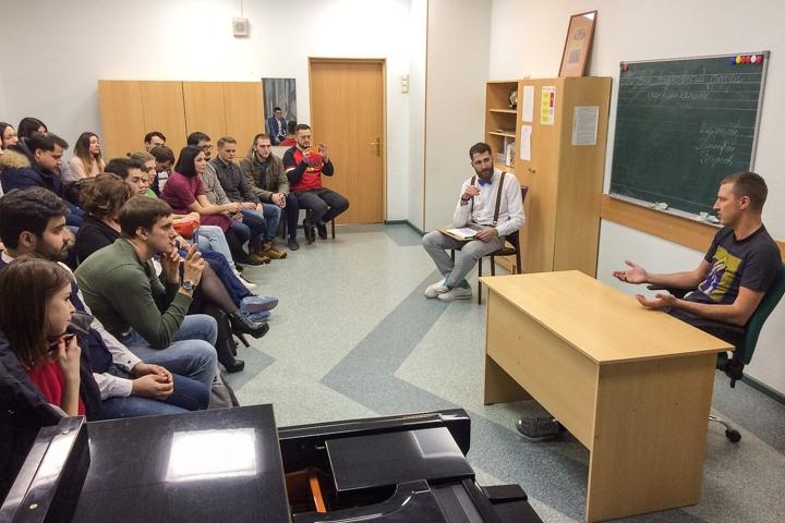 Александр Ломаков поделился историей создания интернет-оператора Vidnoe.NET. Видеозапись