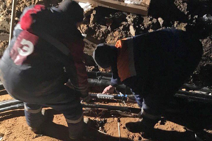 Аварии с подачей электричества, воды и отопления в микрорайоне Купелинка не прекращаются фото 3
