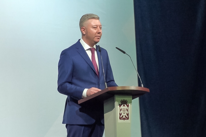 Последний отчет главы Ленинского района Олега Хромова