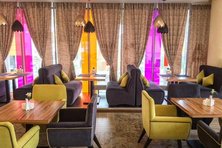 В Видном на Радужной улице открылось новое кафе c панорамным остеклением. Фоторепортаж