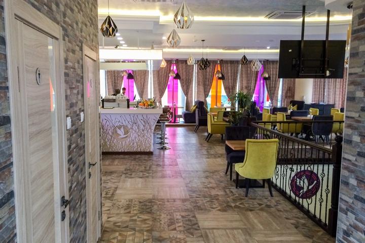 В Видном на Радужной улице открылось новое кафе c панорамным остеклением. Фоторепортаж фото 4