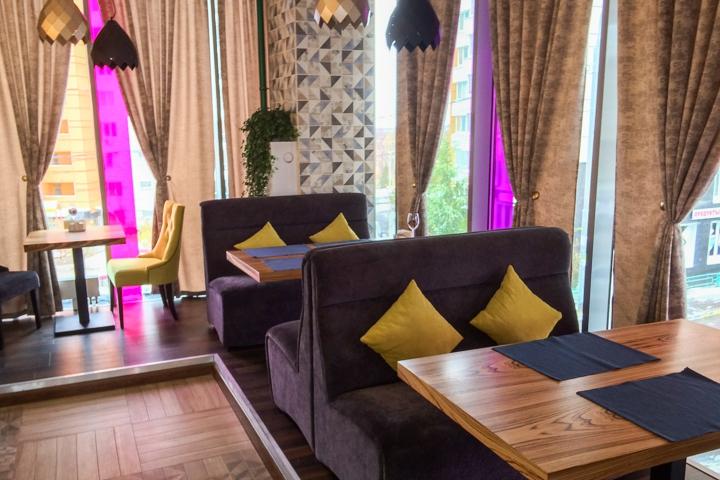 В Видном на Радужной улице открылось новое кафе c панорамным остеклением. Фоторепортаж фото 11