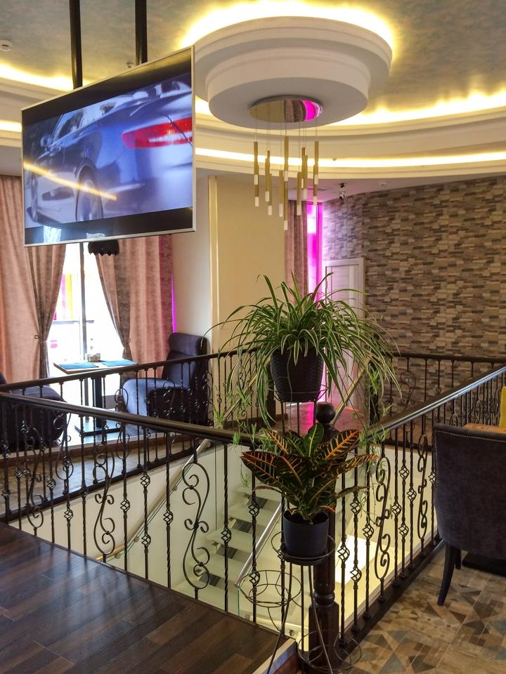 В Видном на Радужной улице открылось новое кафе c панорамным остеклением. Фоторепортаж фото 14