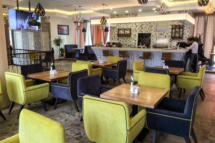 В Видном на Радужной улице открылось новое кафе c панорамным остеклением. Фоторепортаж фото 7