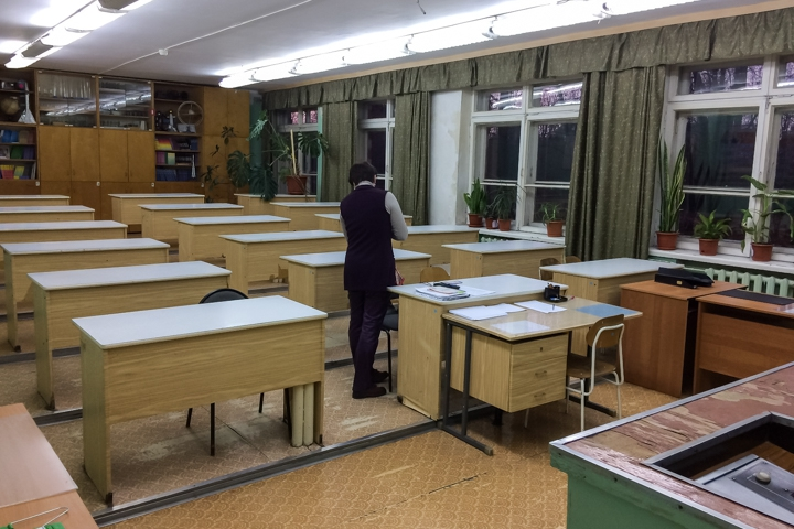 В Горках Ленинских детей после каникул не пустили в их школу. Ее внезапно закрыли на ремонт на несколько лет. Видео фото 10