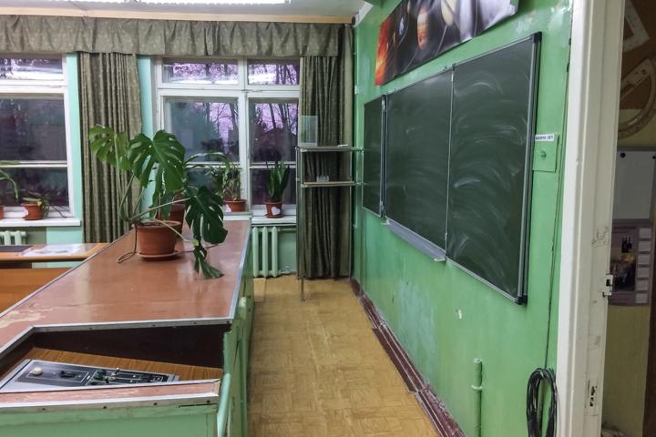 В Горках Ленинских детей после каникул не пустили в их школу. Ее внезапно закрыли на ремонт на несколько лет. Видео фото 9