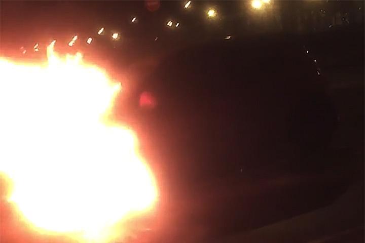 В Ленинском районе продолжают гореть автомобили гражданских активистов. Уже угрожают сжигать и их квартиры