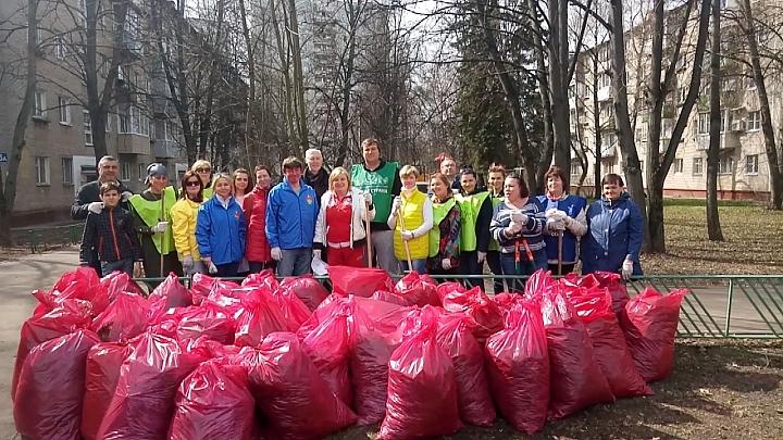 Более 26 тысяч жителей Ленинского района приняло участие в субботнике фото 7