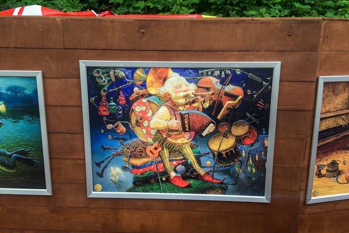 В Тимоховском парке открылась «Галерея под открытым небом» из 54 картин. Фоторепортаж фото 41