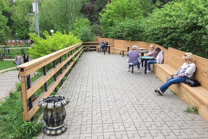 В Тимоховском парке открылась «Галерея под открытым небом» из 54 картин. Фоторепортаж фото 47