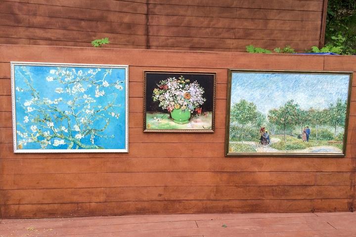 В Тимоховском парке открылась «Галерея под открытым небом» из 54 картин. Фоторепортаж фото 17