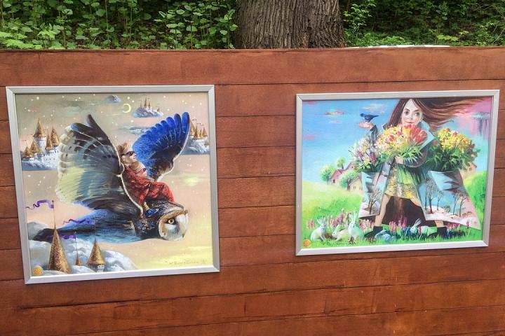 В Тимоховском парке открылась «Галерея под открытым небом» из 54 картин. Фоторепортаж фото 30