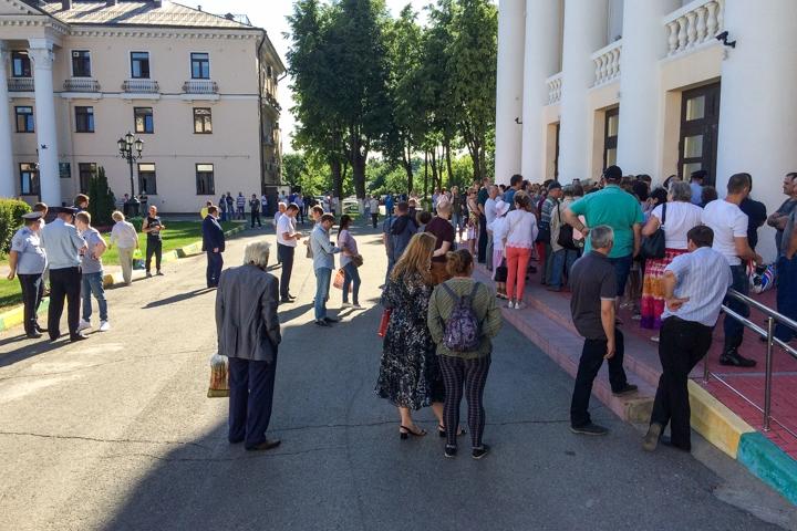 Состоялись районные публичные слушания по вопросу преобразования Ленинского района в городской округ. Видеозапись фото 7