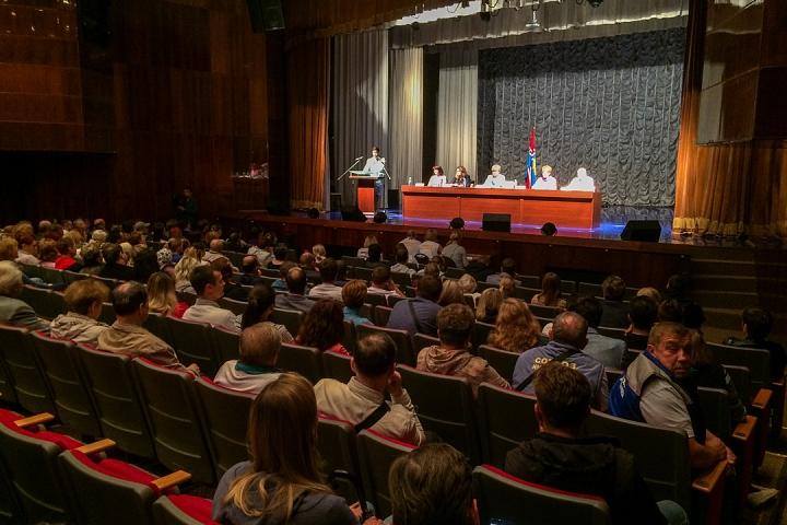 В Совхозе имени Ленина прошли самые цивилизованные публичные слушания по вопросу объединения в округ. Видеозапись
