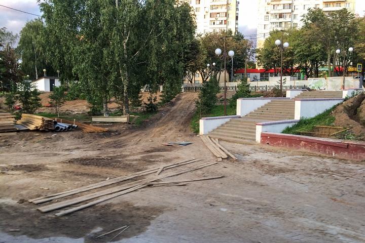 Продолжается реконструкция территории у к/т «Искра», начинается реконструкция фасадов 20-ти ближайших домов. Фоторепортаж фото 39