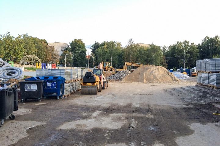 Продолжается реконструкция территории у к/т «Искра», начинается реконструкция фасадов 20-ти ближайших домов. Фоторепортаж фото 41