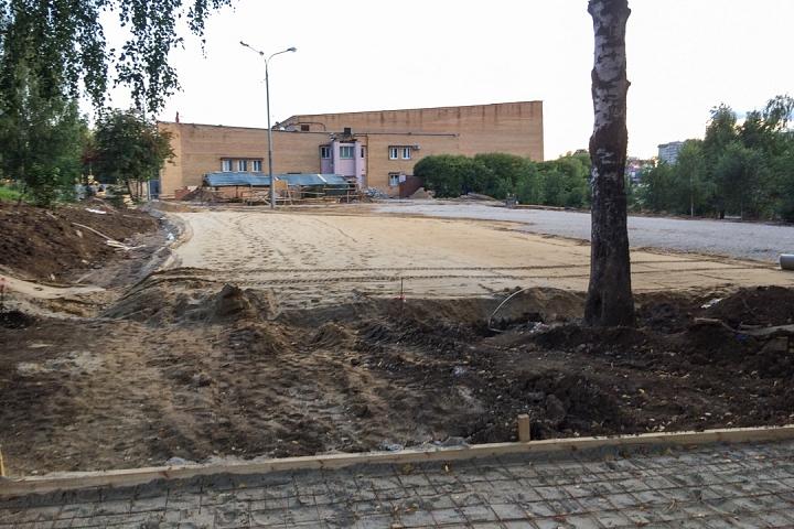 Продолжается реконструкция территории у к/т «Искра», начинается реконструкция фасадов 20-ти ближайших домов. Фоторепортаж фото 25