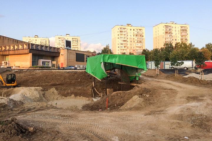 Продолжается реконструкция территории у к/т «Искра», начинается реконструкция фасадов 20-ти ближайших домов. Фоторепортаж фото 10