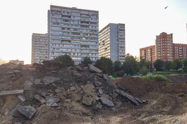 Продолжается реконструкция территории у к/т «Искра», начинается реконструкция фасадов 20-ти ближайших домов. Фоторепортаж фото 9