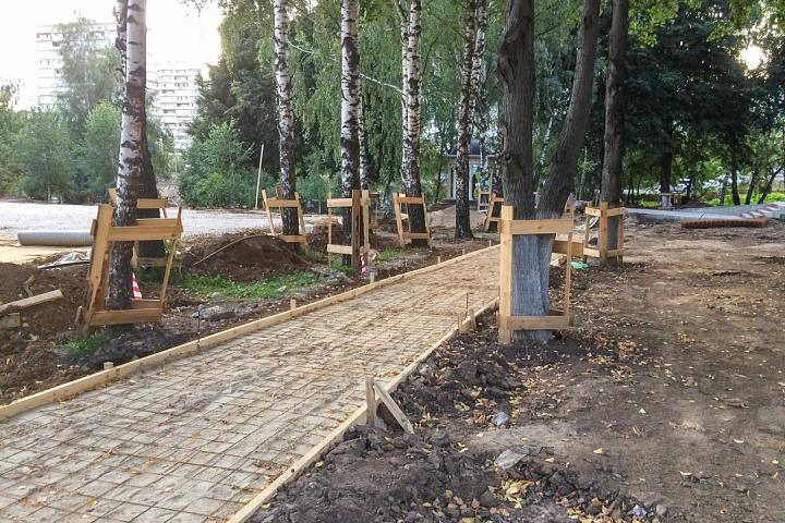 Продолжается реконструкция территории у к/т «Искра», начинается реконструкция фасадов 20-ти ближайших домов. Фоторепортаж фото 26