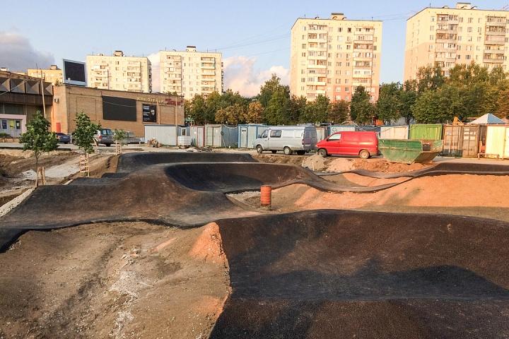 Продолжается реконструкция территории у к/т «Искра», начинается реконструкция фасадов 20-ти ближайших домов. Фоторепортаж фото 8