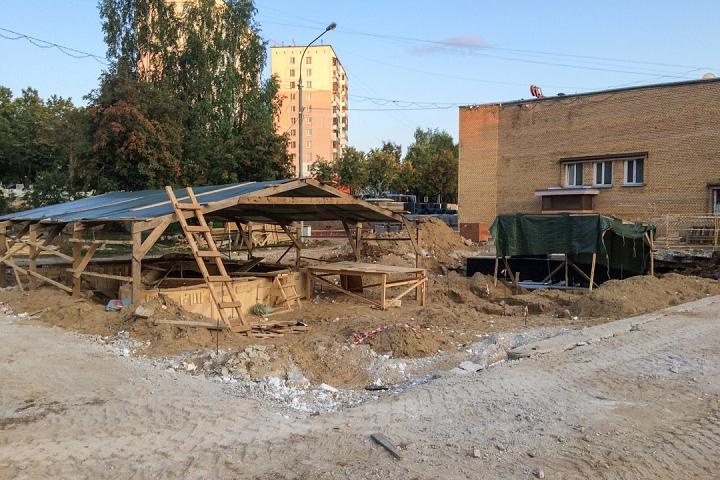 Продолжается реконструкция территории у к/т «Искра», начинается реконструкция фасадов 20-ти ближайших домов. Фоторепортаж фото 30