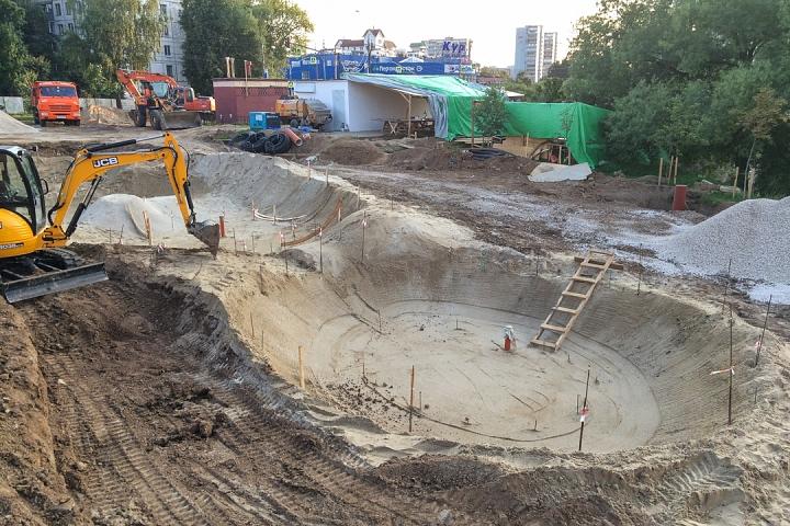 Продолжается реконструкция территории у к/т «Искра», начинается реконструкция фасадов 20-ти ближайших домов. Фоторепортаж фото 6