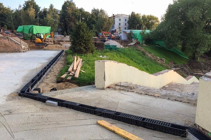 Продолжается реконструкция территории у к/т «Искра», начинается реконструкция фасадов 20-ти ближайших домов. Фоторепортаж фото 12