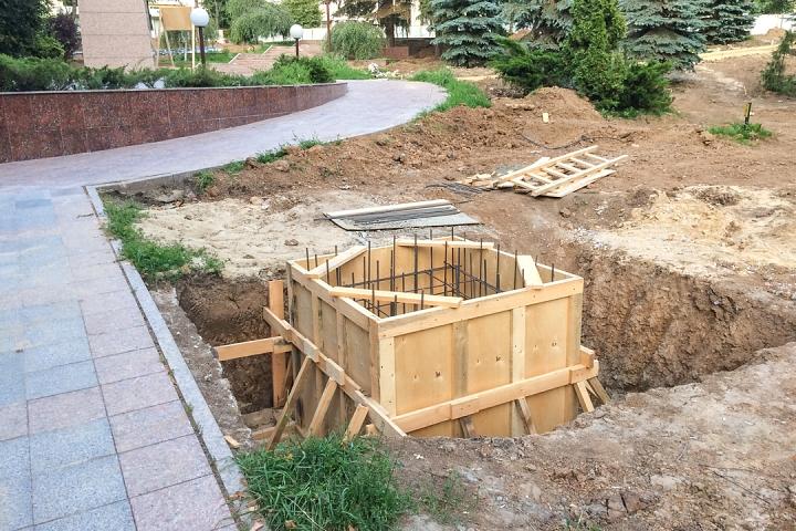 Продолжается реконструкция территории у к/т «Искра», начинается реконструкция фасадов 20-ти ближайших домов. Фоторепортаж фото 20