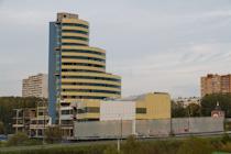 Заброшенное здание на въезде в город Видное, возможно, скоро достроят. Фоторепортаж с долгостроя торгово-офисного центра «Счастливая 7Я»