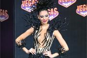 """В ТРК Vegas участницы конкурса """"Мисс Вселенная - 2013"""" показали свои национальные костюмы"""