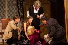 В РЦКиД состоялась премьера спектакля «Тетки» в постановке видновского театра «Т-Вид». Фоторепортаж