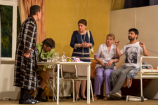 Видновский театр «Т-ВИД» показал новый спектакль «Палата бизнес-класса». Фоторепортаж